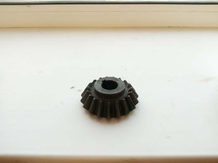 шестерня с круговым зубом z=14, m=3, закалка 42 едины HRC. Изготовление по чертежу