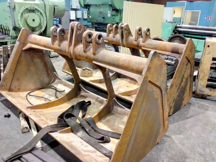 ремонт режущей кромки ковша крана