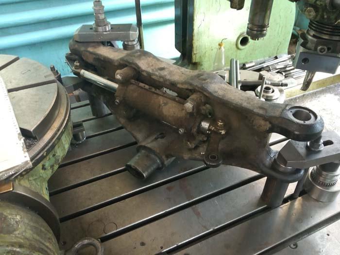 ремонт отверстий передней балки погрузчика